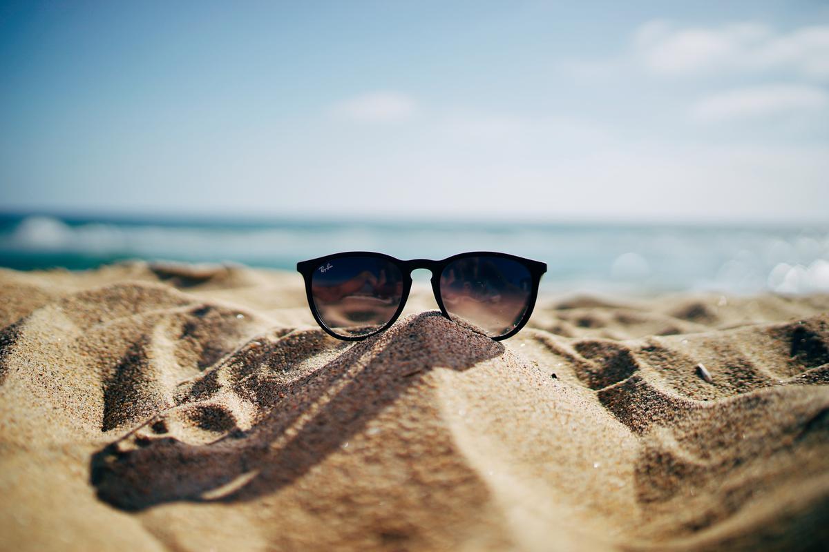 Vakantie kan absoluut een opkikker zijn voor een induttende of hobbelige relatie. Als koppels tot een goed gesprek komen, los van de thuiscontext en allerlei invloeden van buitenaf, kunnen ze de motivatie vinden om er opnieuw voor te gaan en hun relatie weer op de rails te zetten.